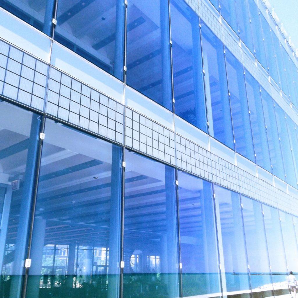 Trabajos de vidriería oficinas